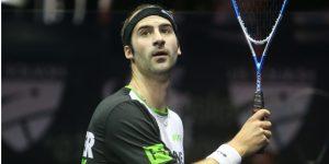 Simon Rösner joue avec une raquette Oliver